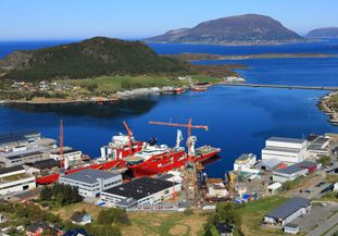 Vard Søviknes Shipbuilding Shipyard Norway